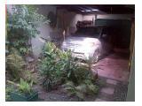 taman depan garasi