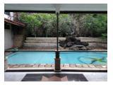 Swimming pool yang besar