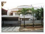 Dijual Tanpa Perantara Rumah Besar 2 Lantai Cempaka Putih