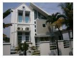 Dijual Rumah Unik dan Modern Tidak ada duanya - Rumah BSD - 4KT - 2KM - 2 Lantai - Baru Renov