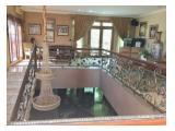 Jual Cepat Rumah Mewah Murah dengan Kolam Renang dan Halaman Luas Full Furnished
