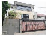 Dijual Rumah Senayan Jl. Hang Lekir III Kebayoran Baru Jakarta Selatan - 4+1 BR Semi Furnished
