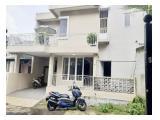 Sewa / Jual Rumah Bangunan Baru 2 Lantai di Bintaro Permai Tangerang - 3 Kamar Tidur Semi Furnished