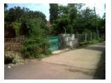 tampak dari depan, rumah pagar hijau
