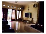 Jual / Sewa Rumah di Perumahan Citra Gran Cibubur Jakarta Timur - 4+1 Kamar Tidur Full Furnished